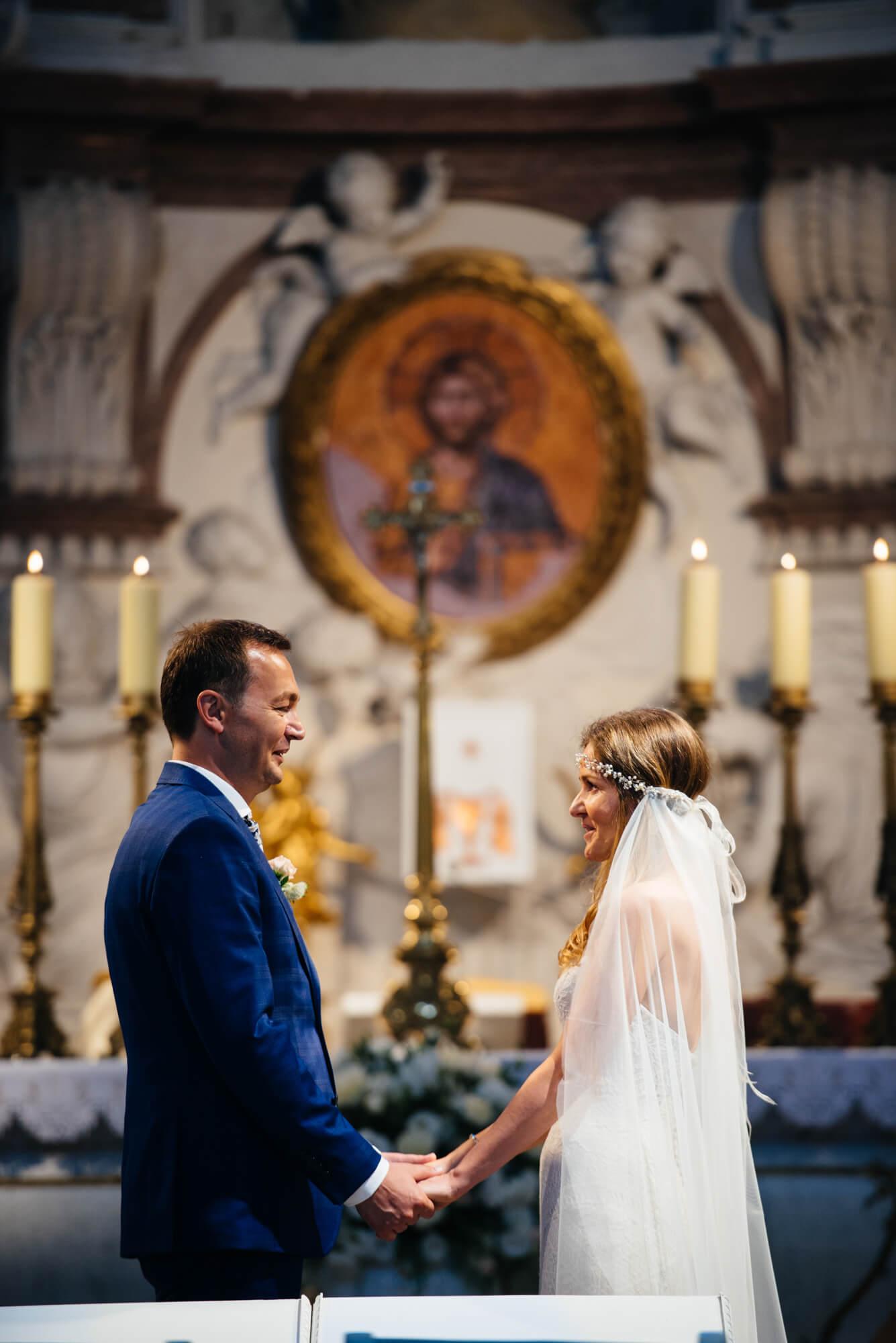 Ślub dojrzałej pary-White Balance fotografia ślubna-fotograf Warszawa-naturalne zdjęcia ślubne