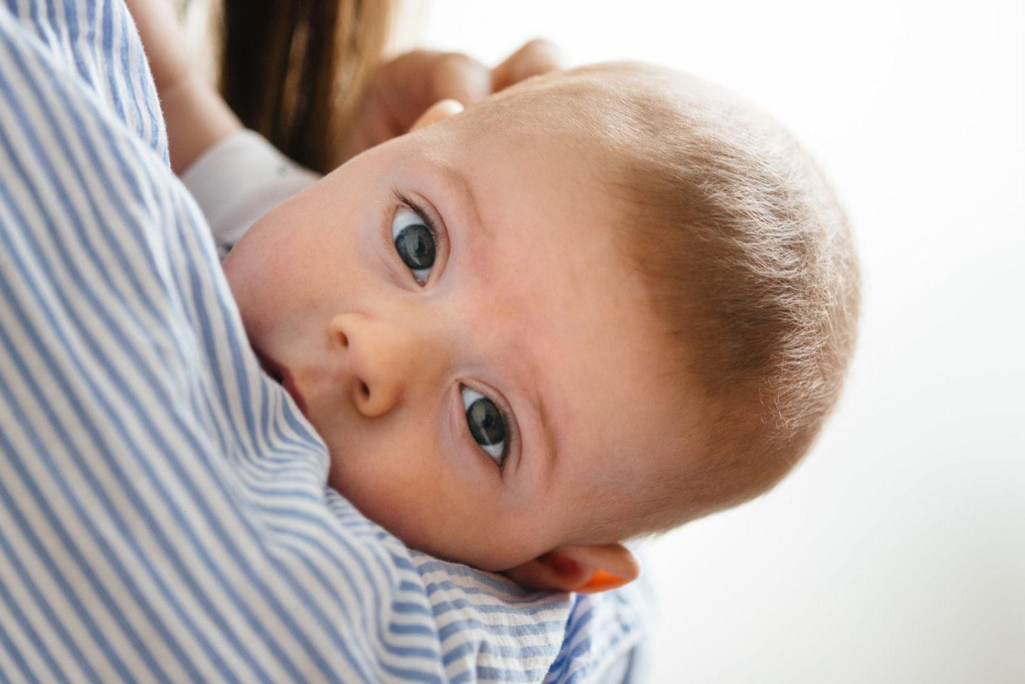 Karolina, Joachim & Teoś - Sesja niemowlęca w mieszkaniu - sesja niemowlęca w mieszkaniu