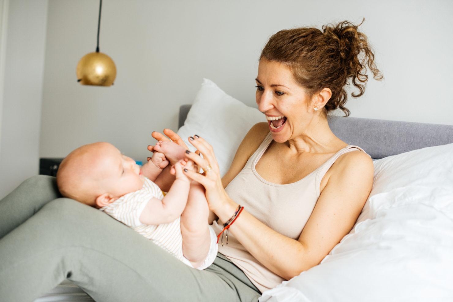 Agata & Tosia - Naturalna sesja noworodkowa w mieszkaniu - sesja noworodkowa w mieszkaniu